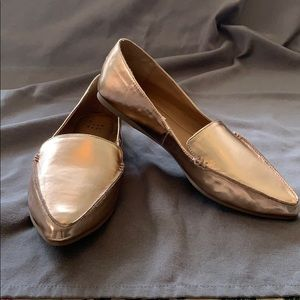Brand New! New Day rose gold loafers size 9W.